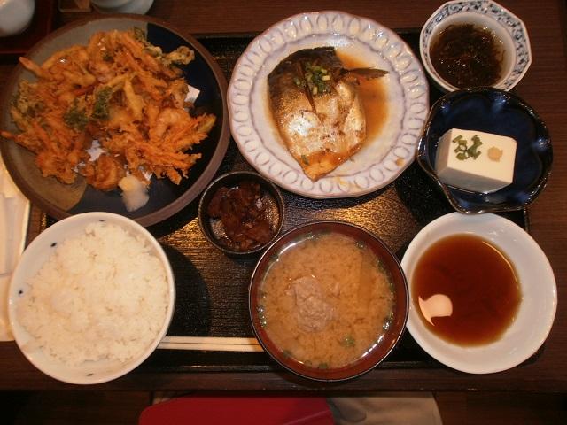 かき揚げ&煮魚定食